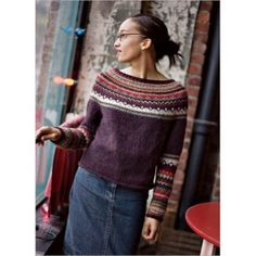 The beautiful combination of rich autumn hues in this patterned yoke is the result of many experiments with different yarns, gauges, and colors. Michele Rose Orne designed a classic round-yoke pullover with updated styling. She omitted the traditional Tejido Fair Isle, Icelandic Sweaters, Diy Kleidung, Fair Isle Pattern, Fair Isle Knitting, Knitting Patterns, Knitting Projects, Knitwear, Crafts