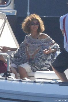 Pin for Later: Beyoncé Celebrates Her Big Day on the Beach With Jay Z and Blue
