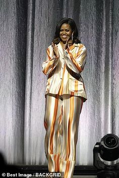 The former US first lady was promoting her memoir Becoming at the AccorHotels Arena in Paris on Tuesday, when she reflected upon the tragedy Michelle Obama Fashion, Barack And Michelle, Style South Park, Us First Lady, Barack Obama Family, Preppy Men, Trendy Fashion, Trendy Style, Women's Fashion