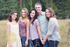 FAMILY, FAMILY WITH TEENAGERS, FAMILY POSE WWW.LISAWILLIAMSPHOTO.COM