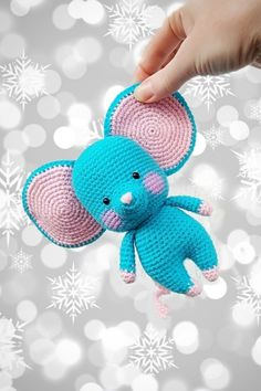 СХЕМА вязания мышонка амигуруми с большими ушами #схемыамигуруми #амигуруми #вязанаяигрушка #игрушкикрючком #вязанаямышь #amigurumipattern #crochetmouse #amigurumimouse Free Crochet, Crochet Hats, Dinosaur Stuffed Animal, Knitting, Toys, Chrochet, Amigurumi, Knitting Hats, Tricot