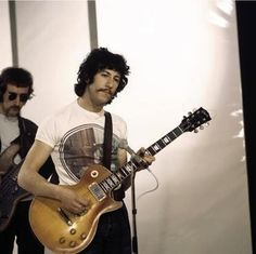 The original Fleetwood Mac was led by guitarist Peter Green, who is widely considered to be one of the best English blues guitarists of all time. | 19 Things You Might Not Know About FleetwoodMac