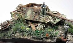 "Diorama ""Jagdpanzer VI Jagdtiger (Sd.Kfz.186) 'and a man adjusting himself'"""