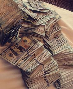 Congratulations Nicole Solomon in your payment You too can start making your own cash A Good decision is all that you need to start making legit money today Dm me to start making money now Foto Glamour, Fille Gangsta, Money On My Mind, Money Today, Money Pictures, Money Images, Mo Money, Money Girl, Money Lei