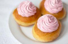 Recepty   Bonviváni Russian Recipes, Cereal, Cheesecake, Pudding, Breakfast, Food, Polish, Art, Basket
