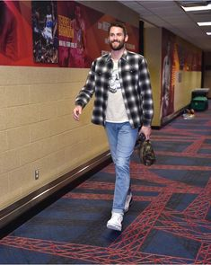 Kevin Love, Fitness, Style, Fashion, Swag, Moda, Fashion Styles, Fashion Illustrations, Outfits