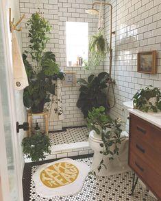 ThisHouse5000 Boho Dekor, Bathroom Plants, Bathrooms With Plants, Houzz Bathroom, Aesthetic Rooms, Plant Decor, Plant Wall, Bathroom Inspiration, Interior Inspiration