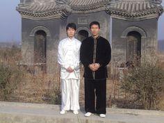 Master Bosco Baek trained in the city where taijiquan (tai chi) first originated. His teacher, Master Chen Bing, has a direct bloodline to Chen Wangting, a Ming Dynasty general who invented taijiquan in the early 17th century.   #chentaichi#cbtausa#taijiquan#chenjiagou#chenvillage#boscobaek#chenbingtaijiacademyusa#losangelestaichi#太极拳#陈氏太极#陈家沟#美国陈炳太极院#陈炳#白承哲 -rs