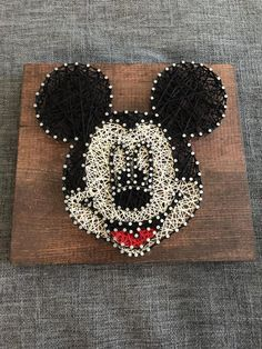 Items similar to Mickey Mouse String Art on Etsy Mickey Craft, Mickey Mouse Crafts, Disney Crafts, String Art Heart, String Wall Art, String Art Patterns, Craft Patterns, Hilograma Ideas, Pattern Art