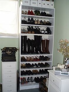 bookcase to shoe shelf- must do for my new room this fall!