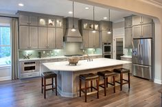 A luxurious dine-in kitchen, The Vincent model.