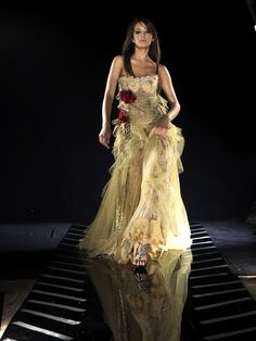 Great service, customer satisfaction and fantastic value for money  Shady Zeineldine is now most popular wedding collection industry in Kuwait.   We will make sure your satisfied with your clothes and fit for you perfectly.  Kindly bring your garments to our store at www.shadyzeineldine.com