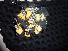 Nella valigia della Buru: Tutorial spilla a fiore con avanzi di stoffa (modello 2)
