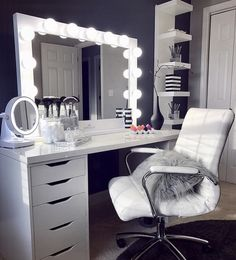 Elevate your space with one of our pro size mirrors! This gorgeous Studio Pro ra… Elevate your space with one of our pro size mirrors! This gorgeous Studio Pro radiates glamour ✨ ⠀ 📷: Elvi Casta Bedroom Makeup Vanity, Vanity Room, Makeup Room Decor, Vanity Decor, Vanity Ideas, Ikea Vanity, Vanity Set, Vanity Chairs, Vanity Drawers