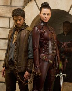 mord-sith-costume-help-book-version-only-mord-sith-win-richard-bridget-regan-13346071-1000-1257-jpg-126236d1352603270 (1000×1257)