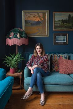 Victorian terrace house: Carol's home is full of colour, art and antique finds Victorian Terrace Interior, Victorian House Interiors, Victorian Living Room, Victorian Homes, Victorian Terrace Hallway, Modern Victorian Bedroom, Victorian Architecture, Dark Living Rooms, Living Room Green