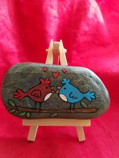 Valentine's love birds #Clovisrocks #paintedrocks #rocks #valentine
