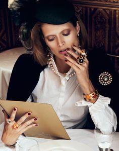 Vogue Paris août 2012 par Lachlan Bailey