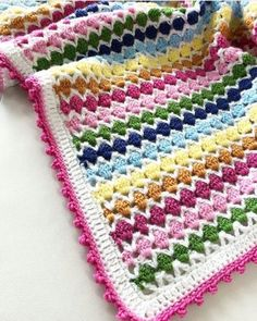 2019 bebek battaniye modelleri (13) | Hobi Fikirleri Yaratıcı El İşi Örnekleri Crotchet Blanket Patterns, Crochet Stitches, Knitting Patterns, Plaid Crochet, Crochet Baby, Crochet Gratis, Free Crochet, Manta Crochet, Knitted Baby Blankets