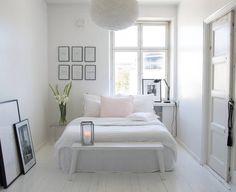 3,277 vind-ik-leuks, 33 reacties - | Rebecca | (@65m2_) op Instagram: 'Have a lovely evening & good night 🖤 . . . . . . #homestyle #bedroom #Interior#interiordesign…'