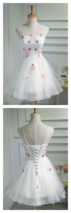 Short Dress White Tulle Short Homecoming Dresses with Applique. White Tulle Short Homecoming Dresses with Applique. Hoco Dresses, Dresses For Teens, Trendy Dresses, Cute Dresses, Vintage Dresses, Beautiful Dresses, Fashion Dresses, Formal Dresses, Dresses For Wedding