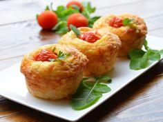 Brioșe cu mozzarella și șuncă | Vicky's Recipes My Recipes, Cooking Recipes, Mozzarella, Food Videos, Baked Potato, Cauliflower, Party, Muffins, Deserts