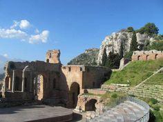 Taormina (Sicily) - Take it Slowly and feel! #december2016 #sicily #taormina #holiday #ecotour #ecotourism