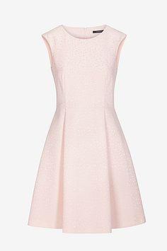 474d86e2a8b7 Ermeløs kjole. Sommerkjoler i forskjellige farger - Shop online Ellos.no