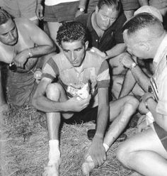 An iconography analysis of a Tour de France picture : Fédérico Bahamontes. «In praise of the abandon»