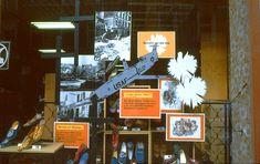 Meiningen, DDR: Polit-Dekoration im Schuhgeschäft, 1979 | by Kurt Tauber