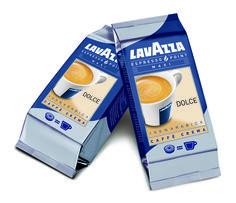 https://www.socafe.pt/cafes/lavazza/capsulas-doppio-espresso-dolce-1-cup - As Cápsulas Doppio Espresso Dolce 1 Cup proporcionam um café com sabor doce e suave. O blend de 100% arábica de que são compostas as cápsulas é feito a partir de cafés brasileiros e indianos de elevada qualidade. A torrefação especial e a moagem correta proporcionam uma sensação de prazer sempre que beber um expresso.