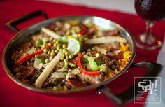 ¿Quieres almorzar rico y estirar el peso? Famoso restaurante ahora tiene precios especiales al mediodía. Descúbrelo, aquí: http://www.sal.pr/?p=105641 #PuertoRicoEsRico