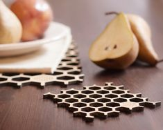 Bamboo Honeycomb Place Mat & Coaster set with von buProducts
