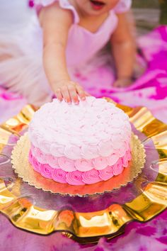 Pink and Gold First Birthday Party Cake Smash Photoshoot Ideas