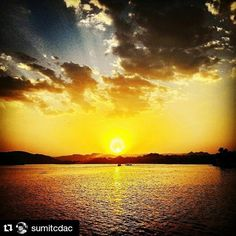 #Repost @sumitcdac with @repostapp To get featured tag your post with #talestreet Burn to give light to others.!!!! #traveldiaries #Sunset #sun #water #explore #exploreworld #travelbug #traveller #wanderer #wanderlust #naturehippys #colours #nature_seekers #rays #travelislife #twitter