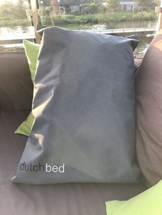 Simple Bed, Bed Covers, Bag Storage, The Unit, Outdoor, Design, Bed Quilts, Outdoors, Single Size Bed