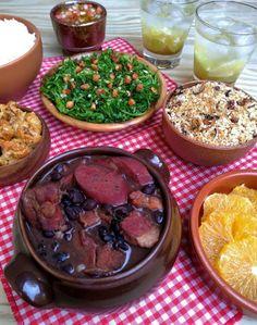 Feijoada simplificada (light) - COZINHANDO PARA 2 OU 1 Feijoada Recipe, Beef Recipes, Cooking Recipes, Menu Dieta, Home Food, Diy Food, Food Photography, Food Porn, Easy Meals