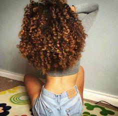 como ter cabelos crespos com luzes