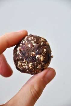 Chocolate Cashew Cookie Pops inspired by the simple ingredients in Larabars.