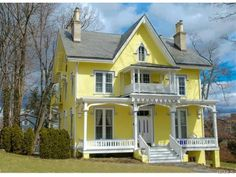 Wow House: Carpenter Gothic in Nyack