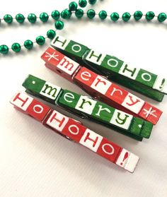 Painted Christmas clothespins red and green hand painted magnetic Hohoho Merry Christmas gift topper - Diy and crafts interests Christmas Crafts For Gifts, Christmas Wood, Christmas Projects, Kids Christmas, Crafts For Kids, Christmas Decorations, Merry Christmas, Painted Clothes Pins, Clothespin Art