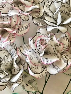 Sheet Music Roses, 12 paper roses, paper flower bouquet Paper Crafts - The Ultimate Craft Ideas Pape Sheet Music Crafts, Music Paper, Paper Art, Sheet Music Decor, Paper Book, Paper Flowers Diy, Flower Crafts, Fabric Flowers, Book Flowers
