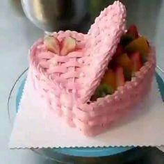 Cake Decorating Frosting, Cake Decorating Designs, Creative Cake Decorating, Cake Decorating Techniques, Cake Decorating Tutorials, Creative Cakes, Cake Designs, Fun Baking Recipes, Cake Recipes
