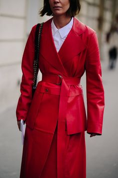 Paris Fashion Week's Street Style Stars Are Politely Ignoring the City's Freezing Temperatures Photos | W Magazine