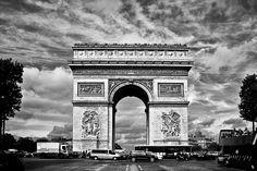In the streets of Paris, mémoire du paris. #Paris #France #Street Photography #Architecture #StreetArt #BlackandWhite #champsdeelysee