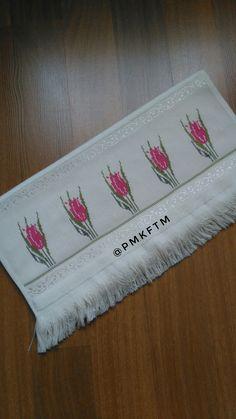 Towel, Bath Linens, Cross Stitch Embroidery, Men's, Embroidery Stitches, Cross Stitch Samplers, Flowers, Manualidades