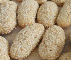 My Mom Bakes These Italian Sesame Seed Cookies!  http://www.cooking-italian-recipes.com/2013/01/sesame-biscotti-italian-sesame-seed.html