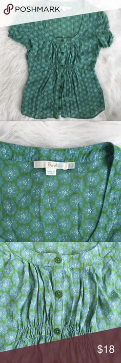 "Boden Blue Green Floral Button Up Blouse Excellent preowned condition. No stains or rips. Measurements while flat; armpit tot armpit 16"". Length from top of shoulder 23"" Boden Tops"