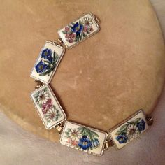 Stunning Vintage Floral Enamel Bracelet Gorgeous Excellent Condition