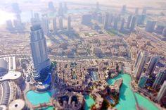 Vue de Dubai depuis la tour Burj Khalifa en mode miniature